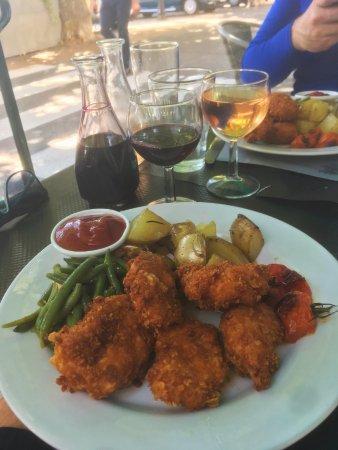 Caderousse, Francia: Aiguillettes de poulet panées