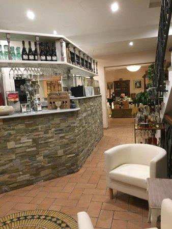 Ristorante pizzeria enrico iv ciano d 39 enza ristorante recensioni numero di telefono foto - Ricci mobili ciano d enza ...