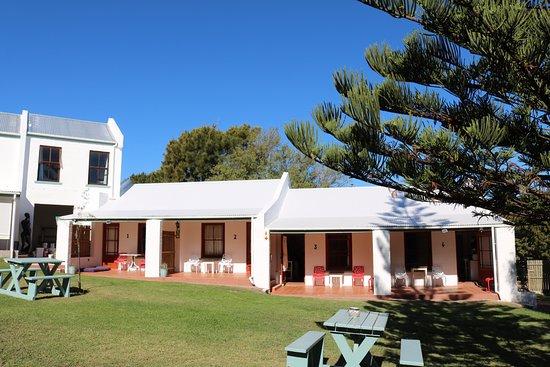 Noordhoek, Republika Południowej Afryki: from the pool looking onto the B&B rooms