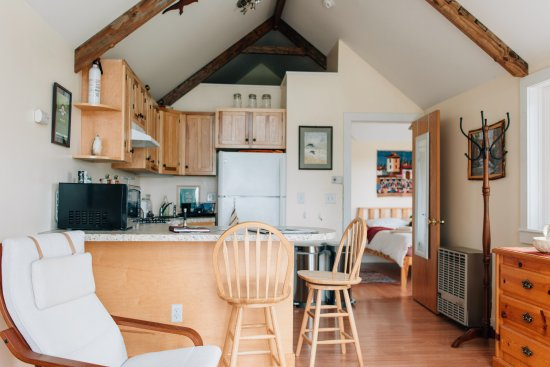Newfield, Estado de Nueva York: Mallard Cottage, just for the TWO of you and.... YOUR PET!