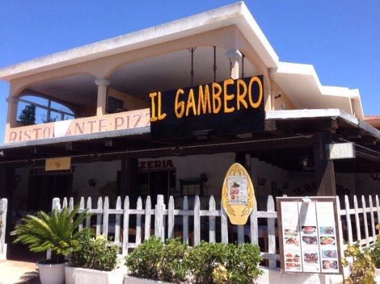 Il Gambero: Esterno e tavolata nella veranda