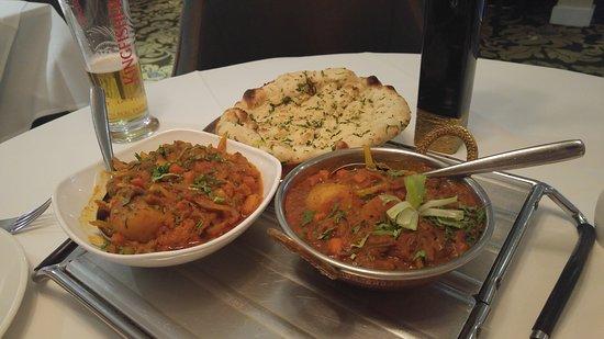 Tamarind Fine Indian Dining : Popadums, balti, garlic naan, paneer shashlik, pilau rice, top food.