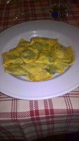 Fabbrico, İtalya: tortelli