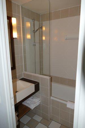 Pierre & Vacances Résidence Les Jardins de la Cote d'Opale : salle de bain