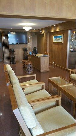 KC Place Hotel Pratunam: 20170608_105600_large.jpg