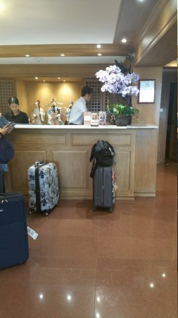 KC Place Hotel Pratunam: 20170608_105609_large.jpg