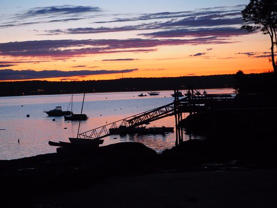 East Boothbay, ME: After glow of boats and dock from our room