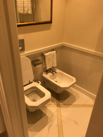 Superb Toilet And Bidet Picture Of Grand Hotel Royal Sorrento Pabps2019 Chair Design Images Pabps2019Com