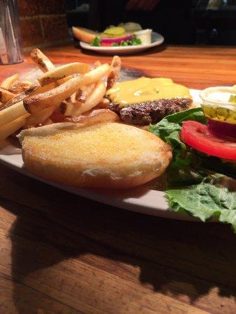 Martin, TN: Hearth Restaurant