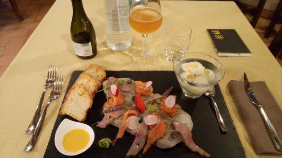 Cerreto di Spoleto, Italia: Antipasto tipico del locale, ottimo nel gusto e spettacolare nella presentazione