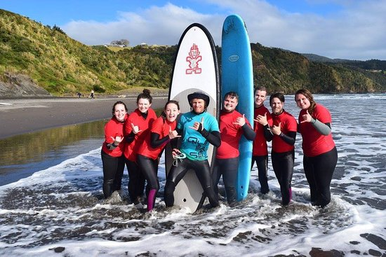Raglan, New Zealand: First time surfing with Steve- June 2016