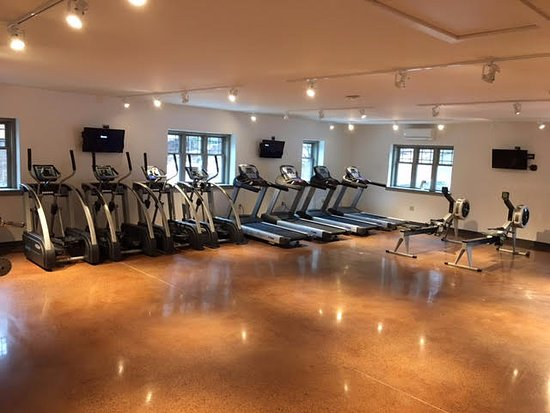 Waterbury Center, VT: Cardio room includes treadmills, ellipticals, Concept 2 Rowers and SkiErg, Bikes, and more.