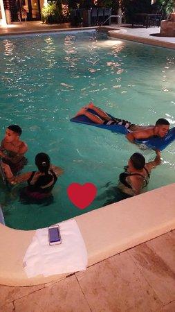 Regency Hotel Miami: Snapchat-255975902_large.jpg
