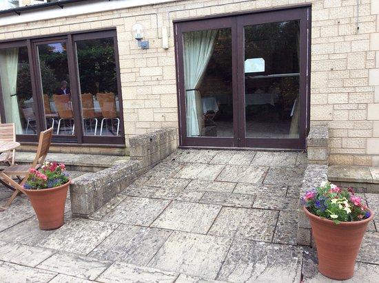 Mickleton, UK: Outside the restaurant