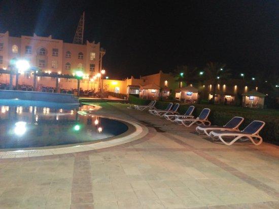 Al Jahra Copthorne Hotel & Resort: TA_IMG_20170701_205832_large.jpg