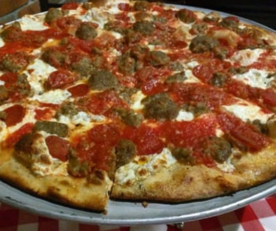 Grimaldi's Coal Brick Oven Pizzeria: Great Coal-Fired Pizza with Slightly Burnt Crust