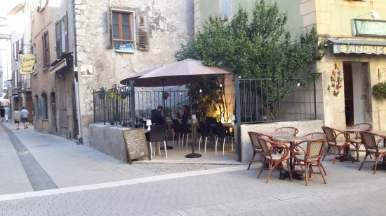 bistrot la fontaine castellane restaurantanmeldelser tripadvisor. Black Bedroom Furniture Sets. Home Design Ideas