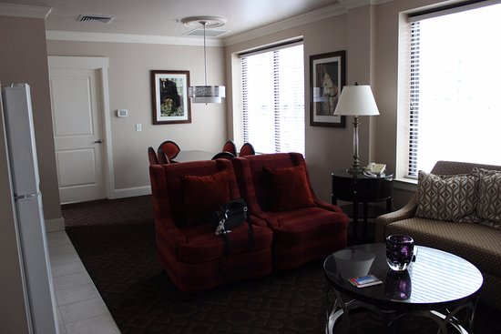 special pictures living room. WorldMark Seattle At The Camlin: Two Bedroom Special Needs Penthouse Living Room Pictures