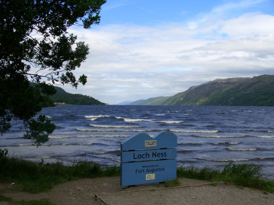 Caledonian Cottage Bed and Breakfast: Loch Ness at Fort Augustus