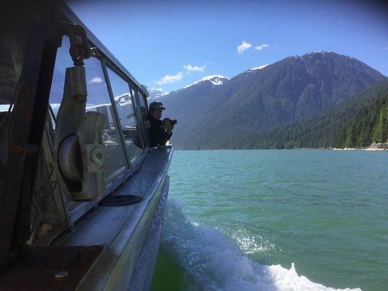 Bella Coola Grizzly Tours