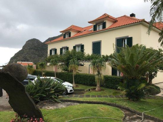 Boaventura, Portugal: l'hôtel vu de l'extérieur (bâtiment récent)