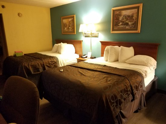 Days Inn by Wyndham Apple Valley Sevierville