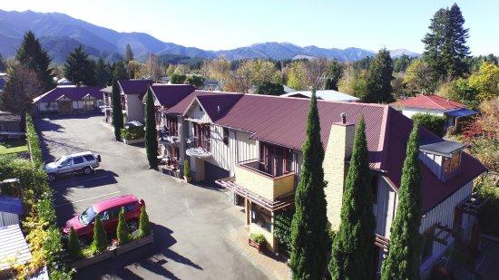Settlers Motel Photo