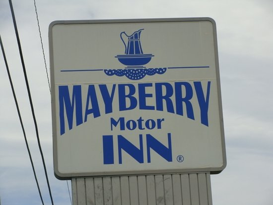 Picsart 02 11 09 mount airymayberry motor inn for Mayberry motor inn mt airy nc