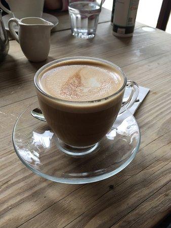 Porto Lounge: Lemonade and flat white