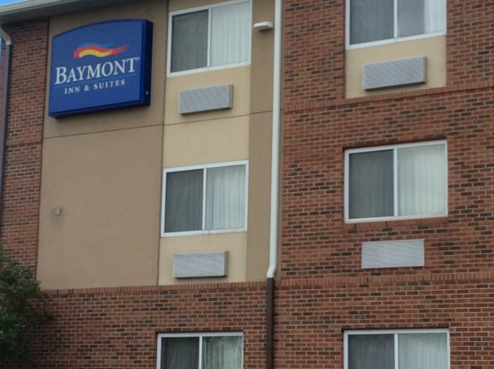 Baymont Inn & Suites Indianapolis: Facility property.