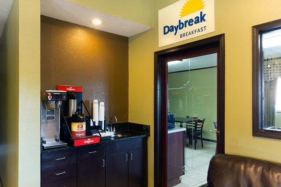 Days Inn Renfro Valley Mount Vernon : Coffee Bar