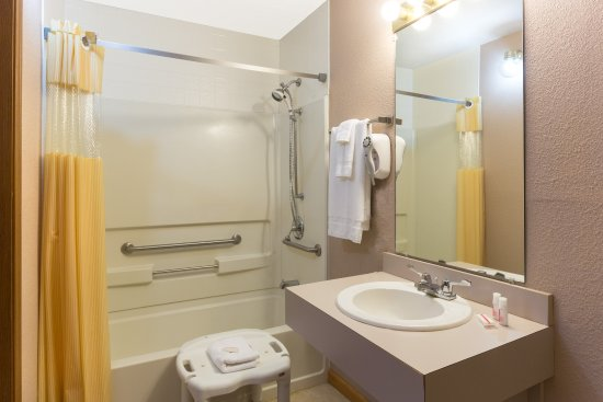 Mount Vernon, Κεντάκι: Accessible Bathroom