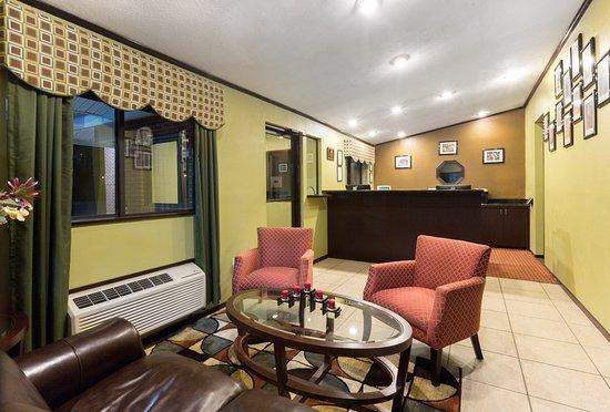 Mount Vernon, KY: Lobby
