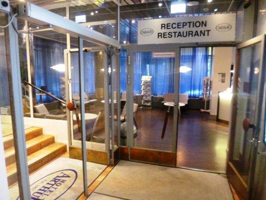 Arthur Hotel : Reception