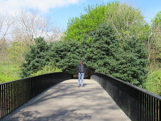 Kelvingrove Park: Sunny day in Kelvingrove