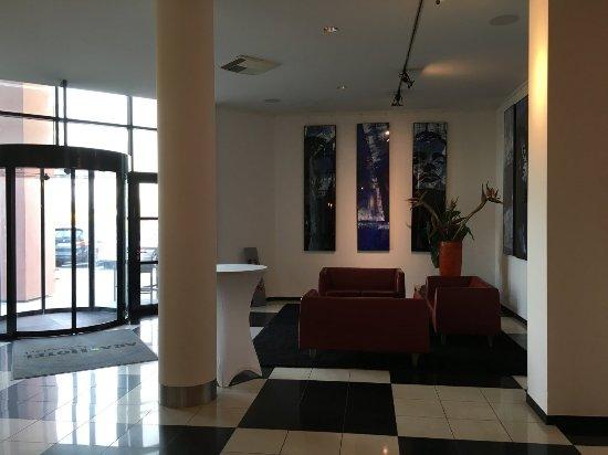 Keine Verkaufssteuer günstig heiße neue Produkte Lobby - Bild von ARA Hotel - Ingolstadt - TripAdvisor
