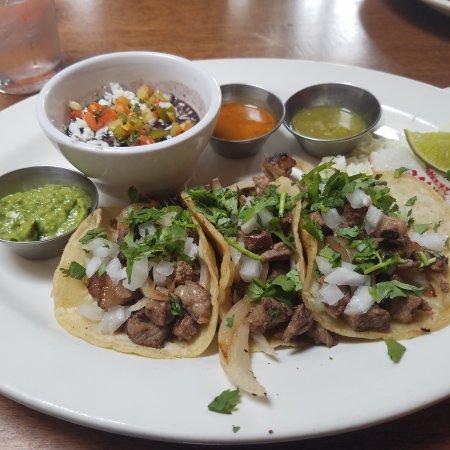 El Callejon Taqueria and Grill