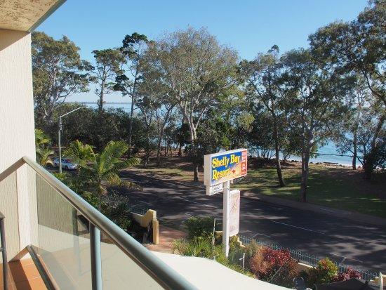 Shelly Bay Resort: Top floor view, room 23.