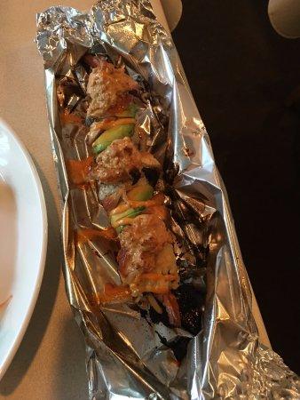 Woojung Byob Restaurant & Sushi Bar: Kiss of Fire roll