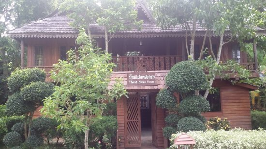 Pai Treehouse : double room cottage