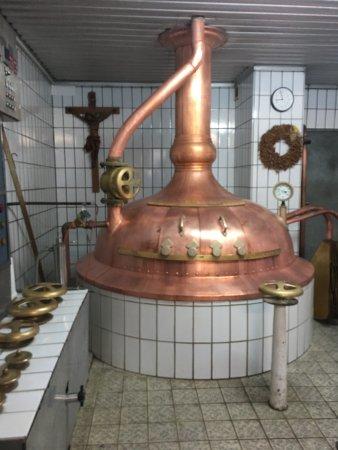 Zwiefaltendorf, Tyskland: Tuffsteinhöhlenzugang Brauerei Blank