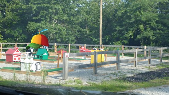 Family Fun Park - Zip Putt Play