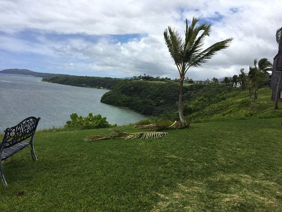 Sealodge at Princeville: Amazing view from the front lawn!