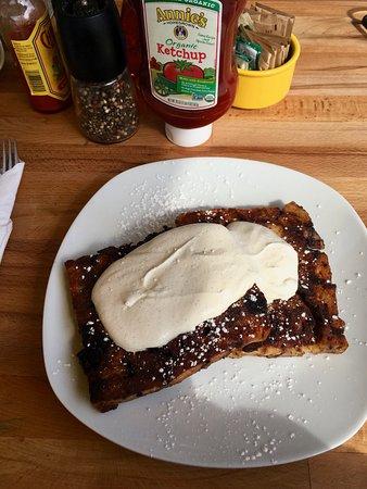 Hangar B Eatery: YUM! Chocolate croissant french toast!