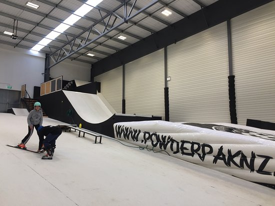 ‪Queenstown Indoor Snow Park‬
