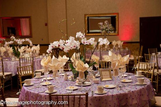 Aurora, OH: Ballroom