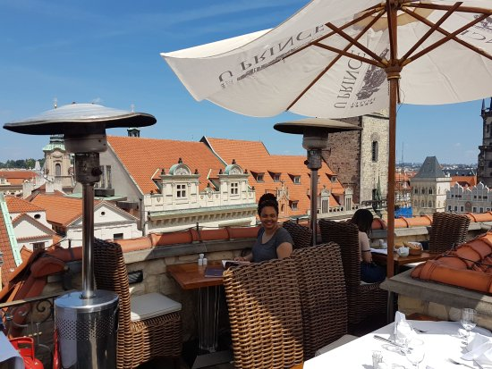 Outdoor rooftop dining picture of restaurant u prince for Terrace u prince prague