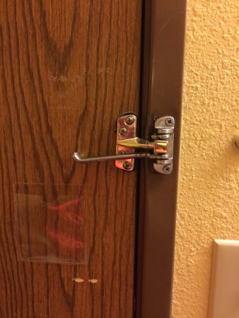 Super 8 Grants: Broken security latch