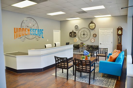 Lithia Springs, GA: We have a great lobby area with plenty of seating!