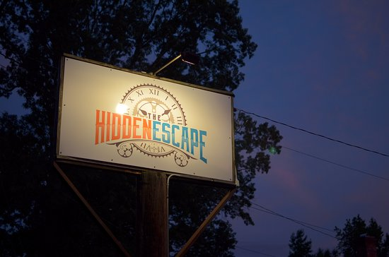 Lithia Springs, GA: The signs are well lit and easy to see at night.